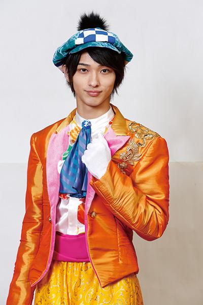 オレンジの衣装